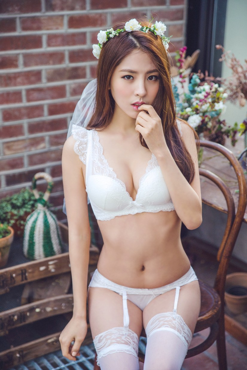 hot Korean in pure lingerie