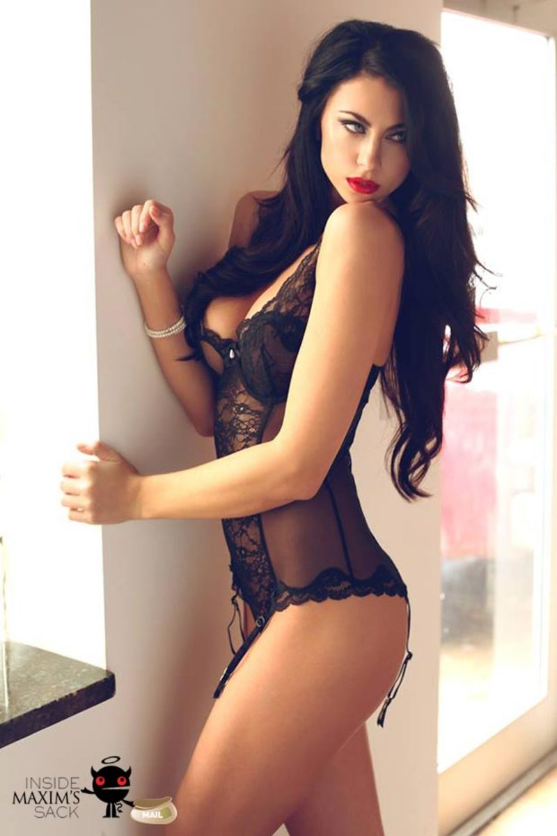 hot eyes model in lingerie